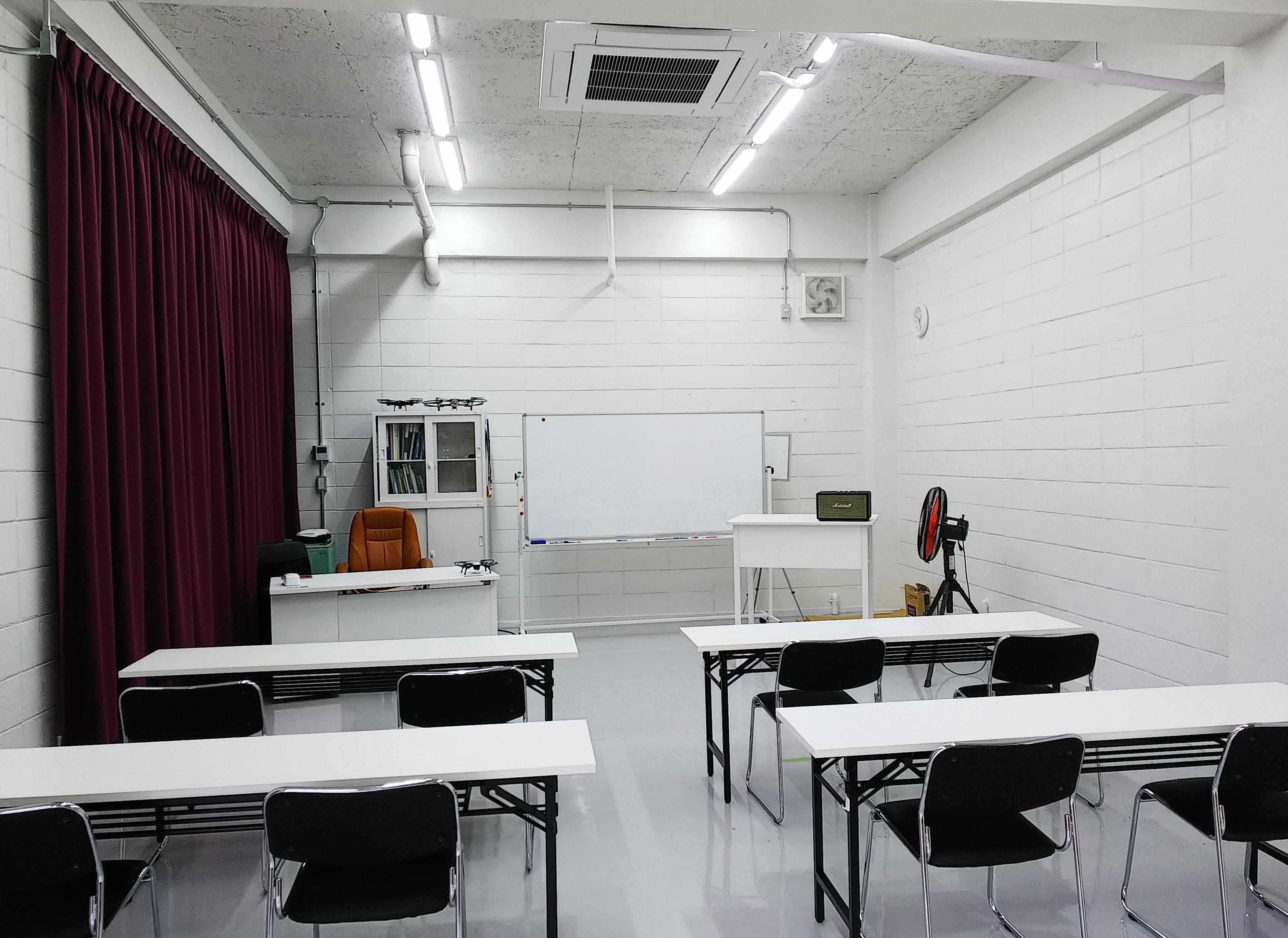 ドローン教習所東京城西校サブ画像1